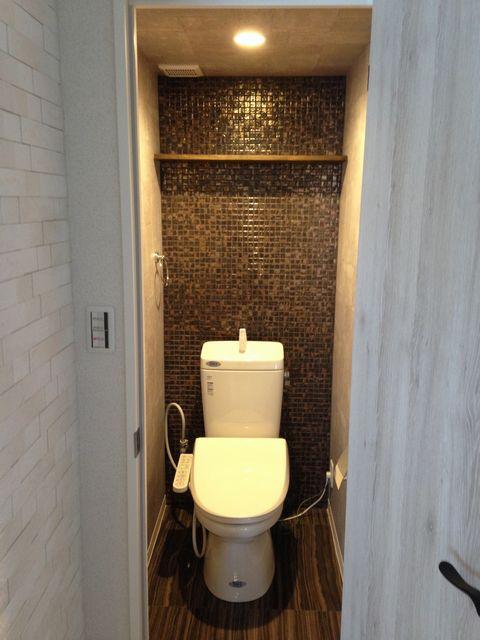 トイレ モザイクタイル 施工例